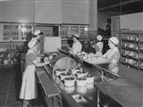 1952 c Dietitian and nurses in diet kitchen