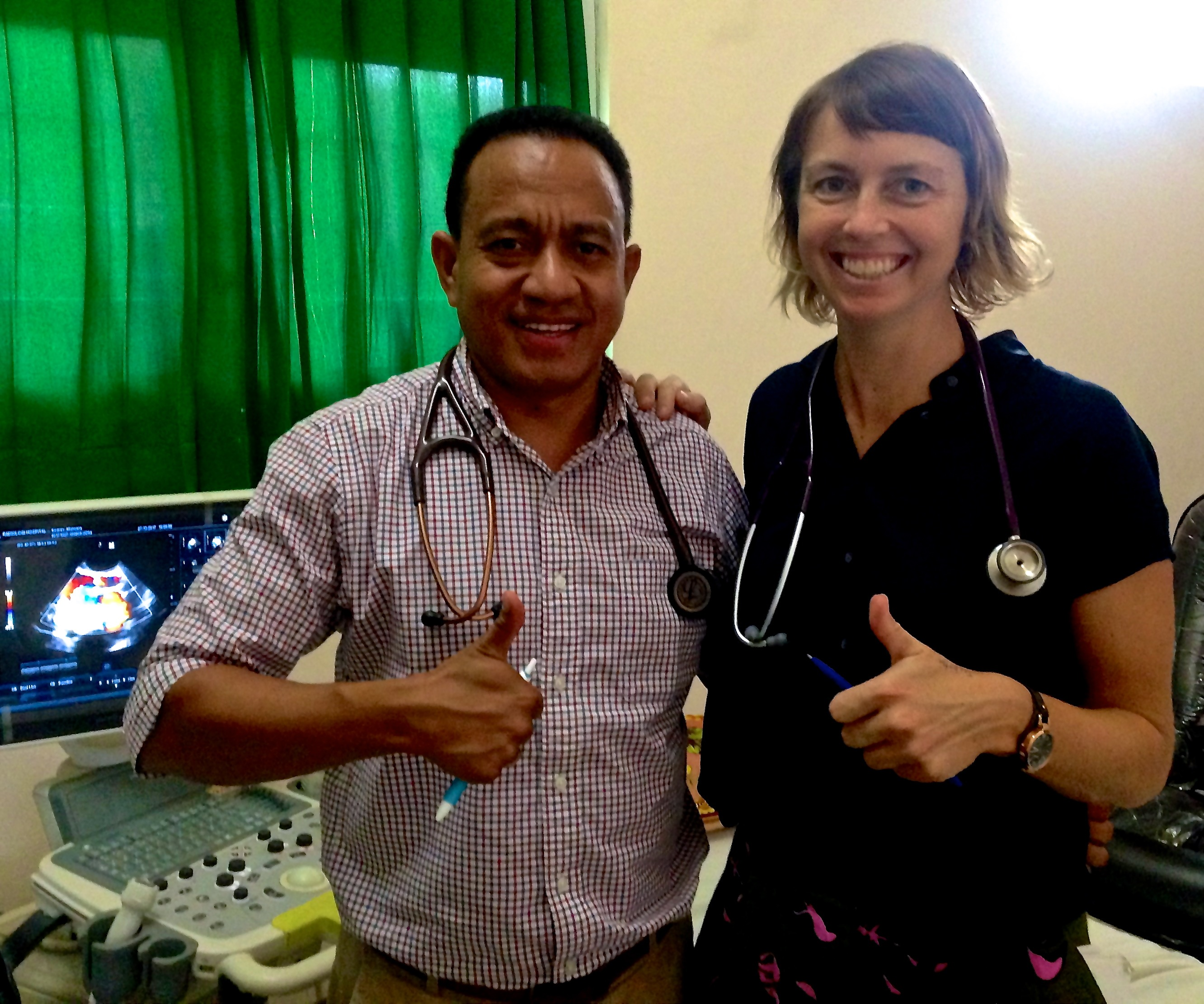 1710 Cardiologist Dr Andre Monteiro and Alex Umbers in echo clinic